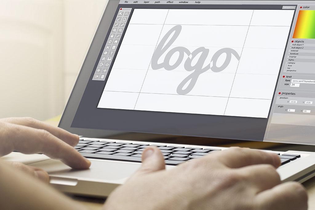 Cuánto cobra un diseñador gráfico por un logo