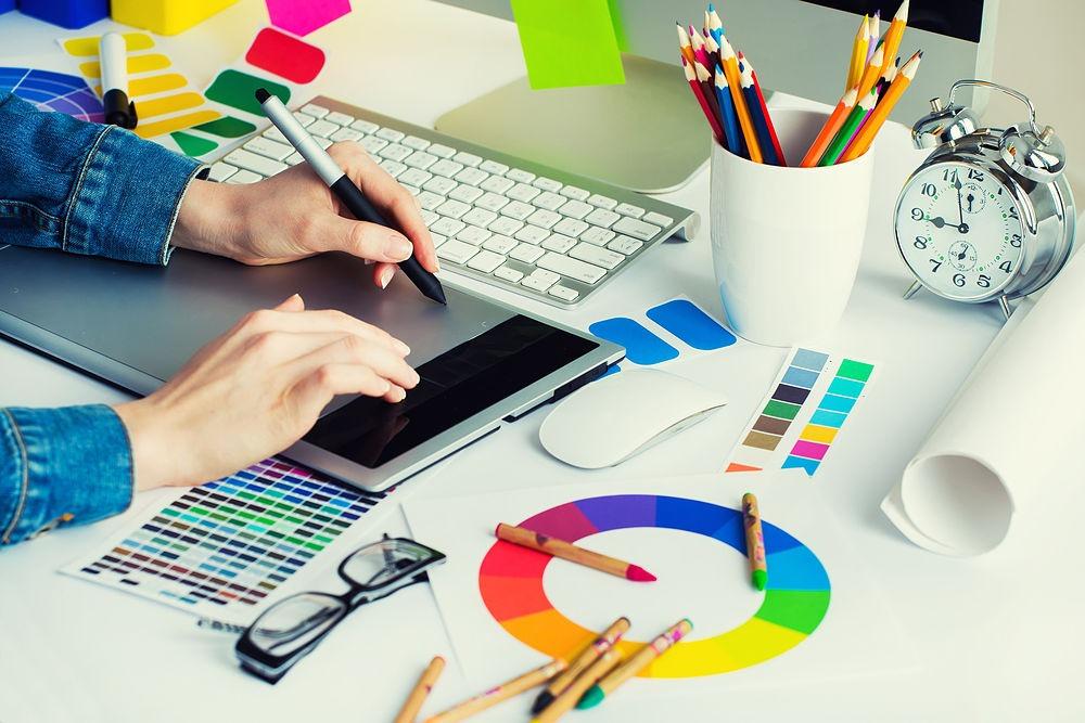 Empresa de diseño gráfico en A Coruña para marcas y empresas